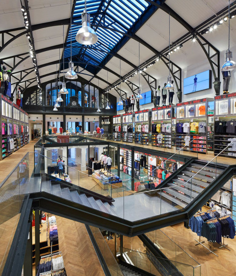 Projects mall market conseil en urbanisme commercial - Uniqlo francs bourgeois ...